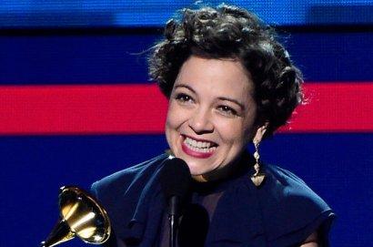 Latin-Grammys-2015-NAtalia-LaFourcade-Award-Billboard-650.jpg