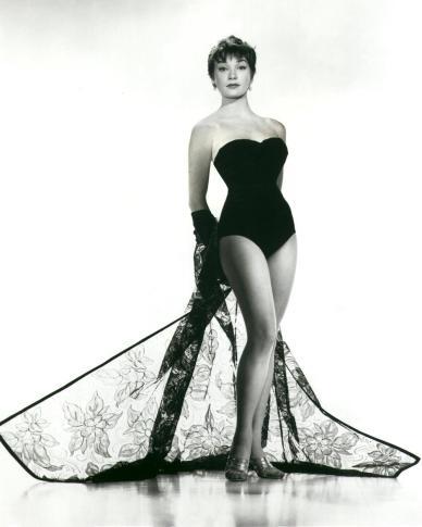 Shirley-MacLaine-Feet-402555.jpg