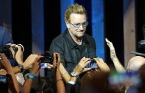 Irish leader of U2 Bono Vox during his visit at Expo 2015 in Milan, 6 September 2015. ANSA / MATTEO BAZZI