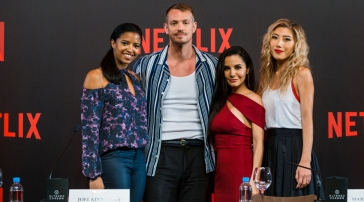 NETFLIX-ALTERED-CARBON-Joel-Kinnaman-Martha-Higareda.jpg