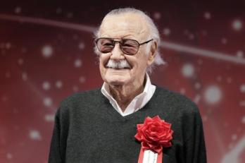 epa06360777 US comic book writer and producer Stan Lee attends the opening ceremony for the Tokyo Comic Convention 2017 at Makuhari Messe in Chiba, east of Tokyo, Japan, 01 December 2017. The event, which runs until 03 December, offers comic fans an enthusiastic experience with exhibitions and displays of Japanese and American pop culture. EPA/KIYOSHI OTA