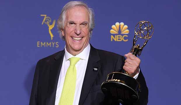 Henry-Winkler-Emmy-Award.jpg