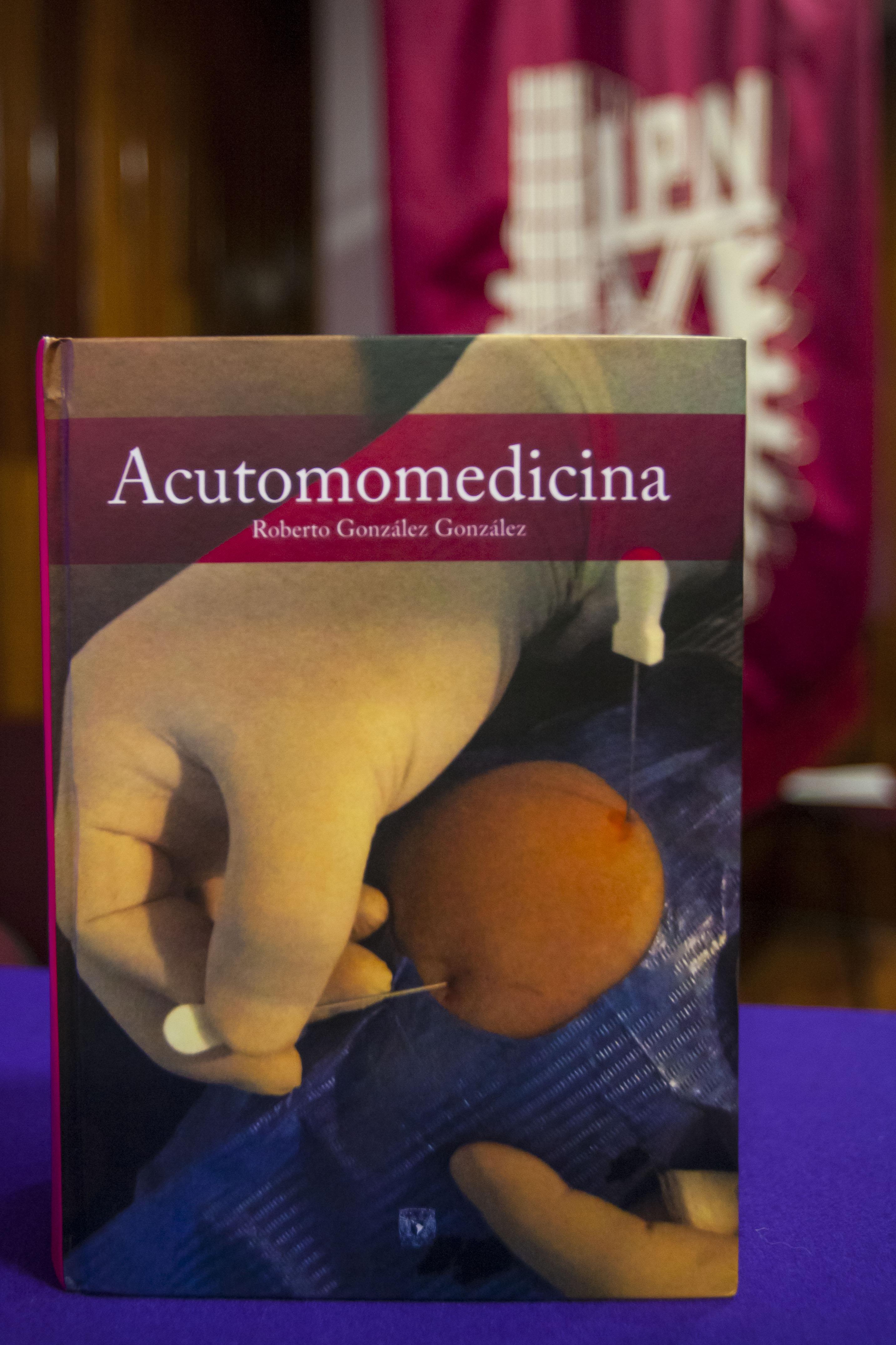 PRESENTA IPN EL ÚNICO LIBRO DE ACUTOMOMEDICINA EN OCCIDENTE (4).jpg
