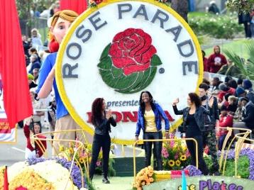 inicio-el-ano-con-el-desfile-de-las-rosas_120372.jpg_26782.670x503.jpg