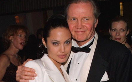 american-actress-angelina-jolies-complicated-relationship-her-dad-jon-voight-1546337710.jpg