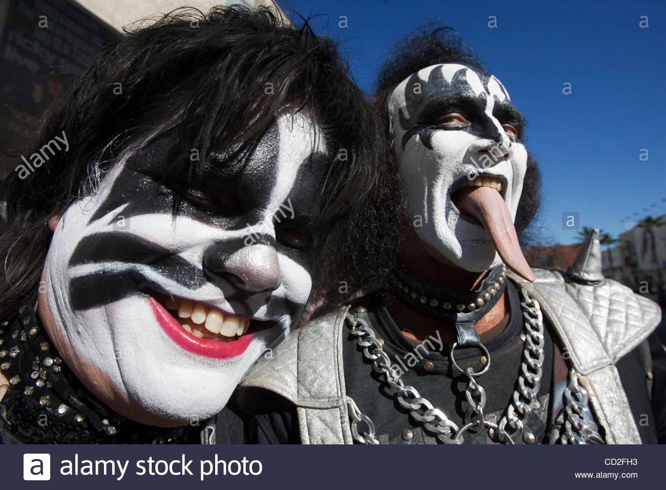 catman-dressed-as-kiss-band-member-peter-criss-and-gary-downe-dressed-CD2FH3.jpg