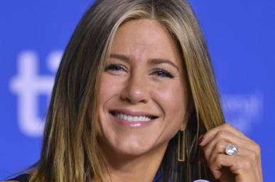 ANISTON.jpg