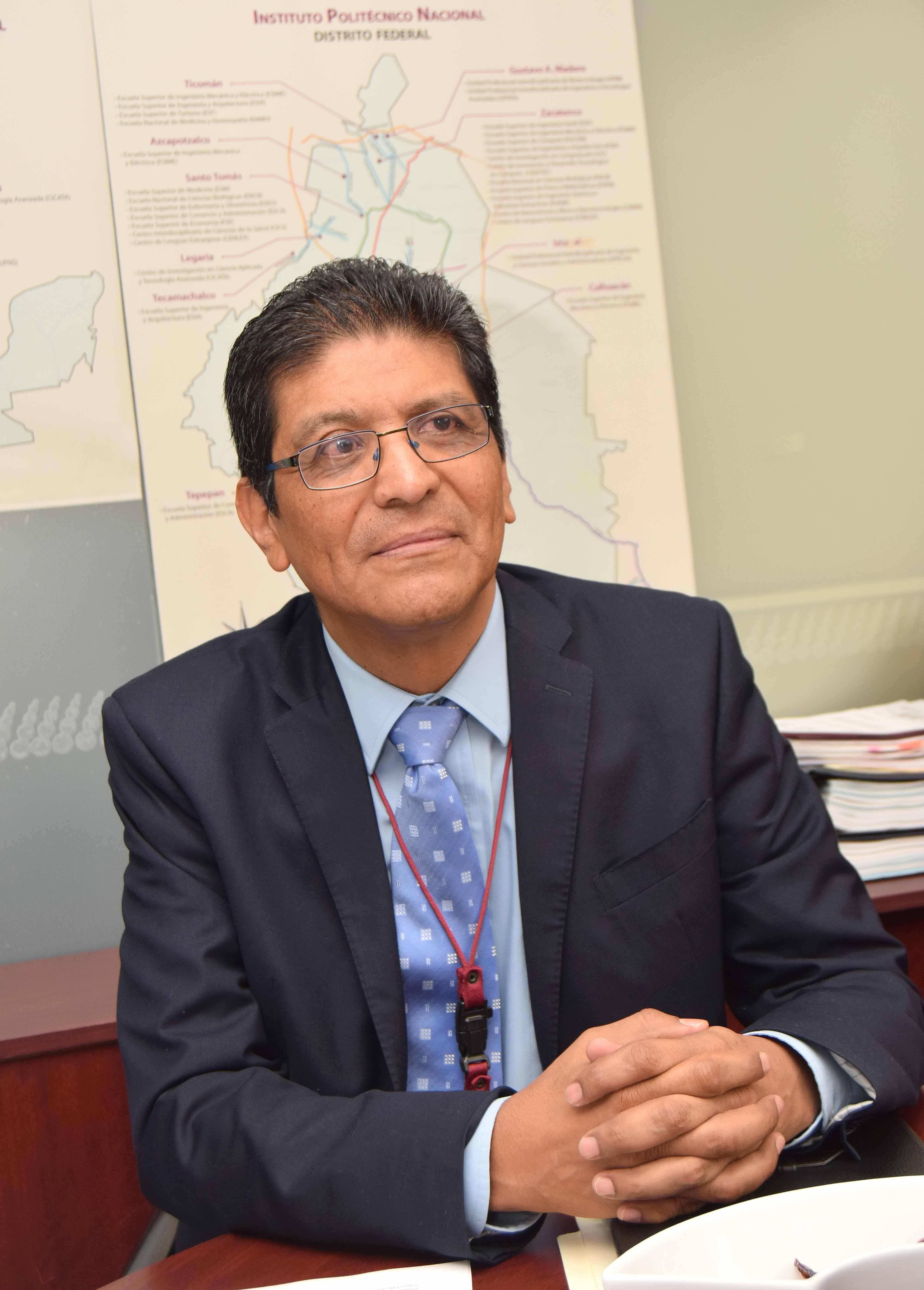 DR. LUIS CUAUHTÉMOC GIL CISNEROS, DIRECTOR DE POSGRADO DEL IPN.JPG