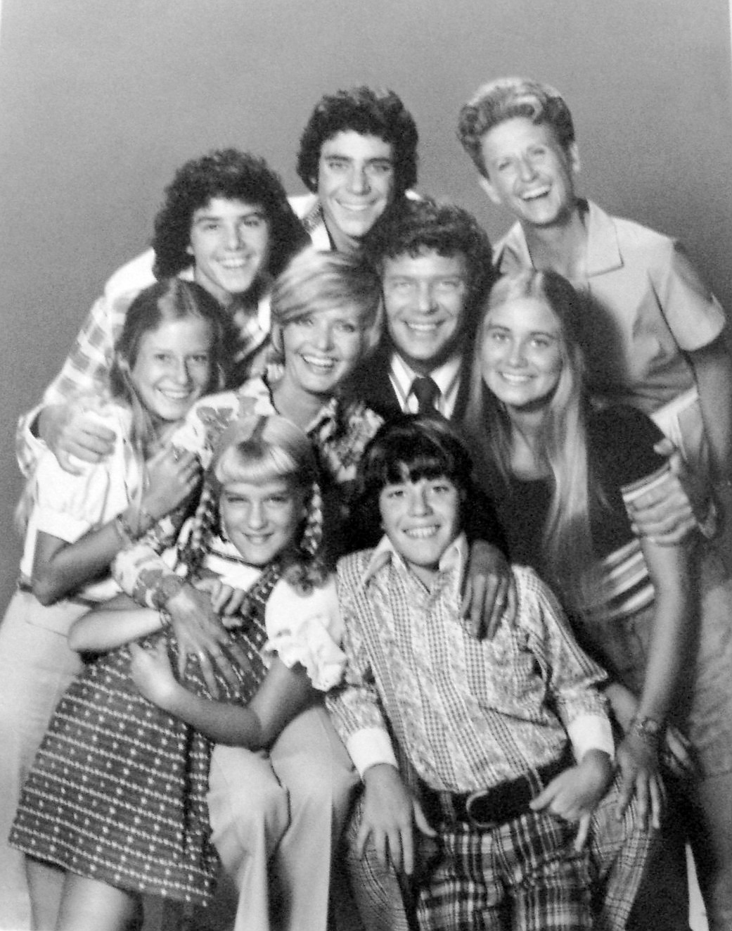 Brady_Bunch_full_cast_1973.jpg