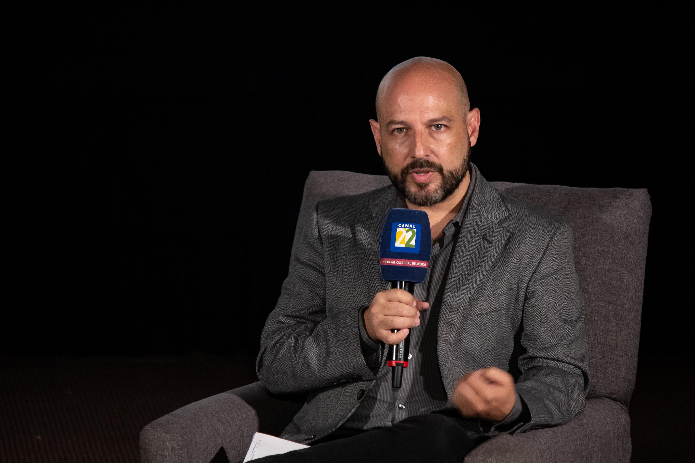 Pedro Kóminik en Canal 22. 1.jpg