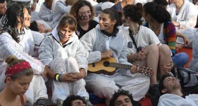 Venezia: attivisti 'No grandi navi' occupano il red carpet
