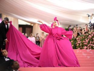 ladygaga-gala-met2019-vestido1-k8b--644x483@MujerHoy.jpg