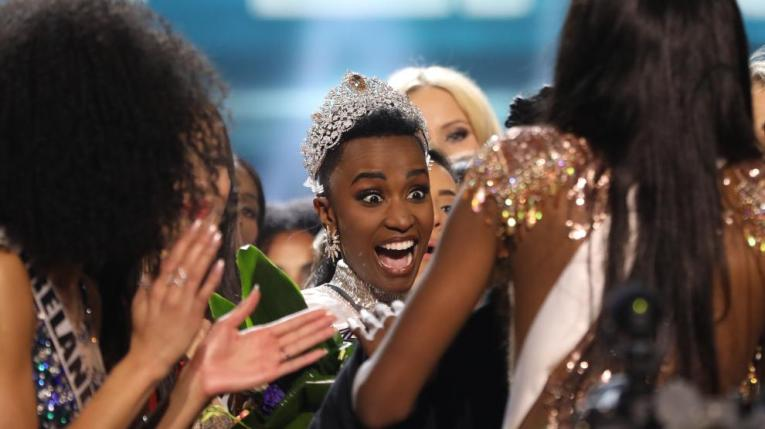 la-sudafricana-zozibini-tunzi-fue-proclamada-este-domingo-miss-universo-2019-en-una-gala-celebrada-en-atlanta.jpg