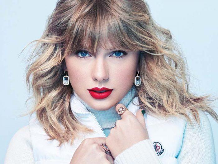Taylor-Swift-700x525.jpg
