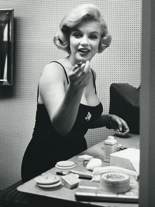 Elizabeth-Arden-Makeup-1.jpg